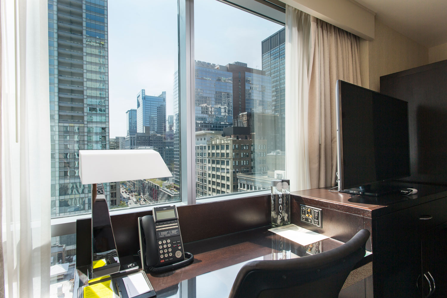 theWit Hotel in Chicago | Workspaces by Hilton